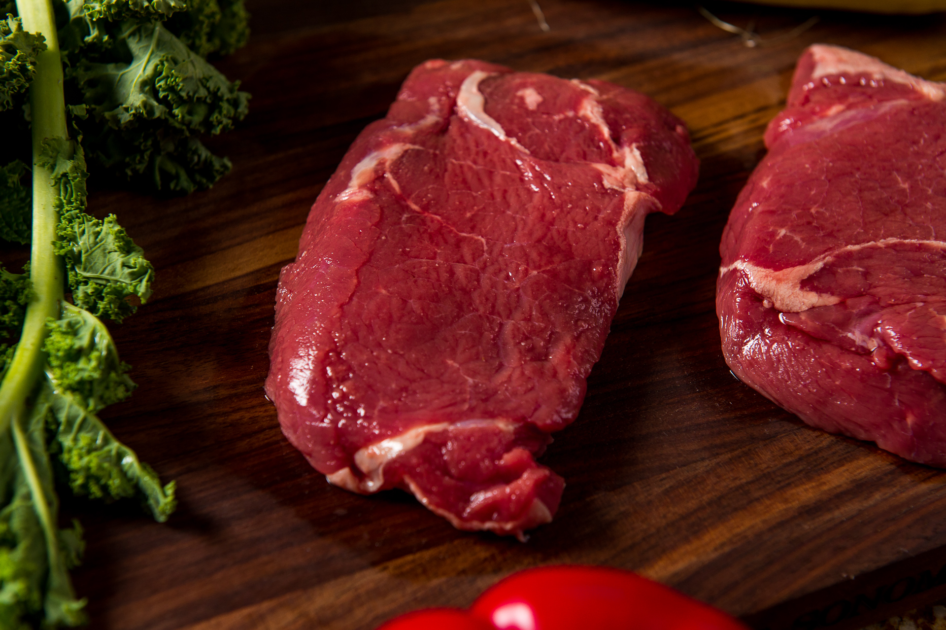 River Watch Beef Cuts - Sirloin Steaks - Focus Texture